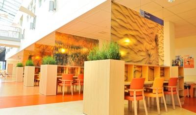 Natuurlijke look interieur openbaar interieurbeplanting