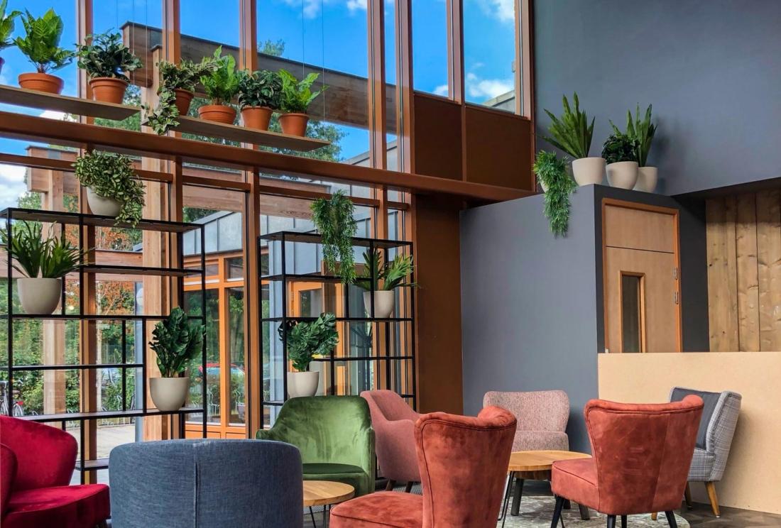 Interieur-inrichting-open-ruimte-bedrijf-1100x744.jpg