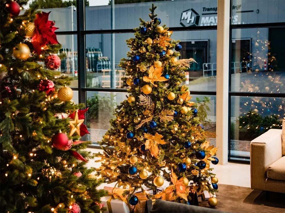 Verhuur van kerststukken en kerstbomen